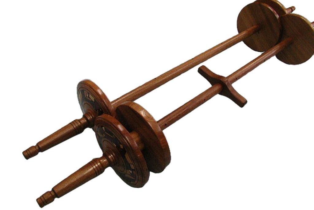 Etz-Chaim-Torah-Rollers-Made-to-Order-ETZCHM-O-O-ORW-whole-etz-chaim1.jpg