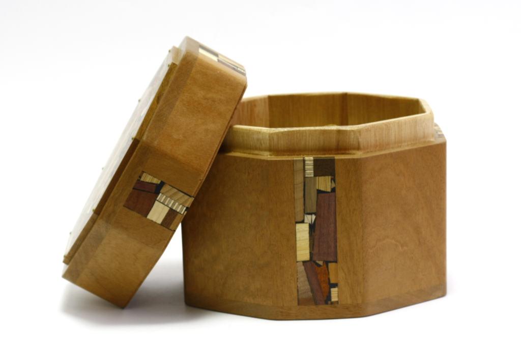 Octagonal Wood Etrog Box-Jewish Gift-Sukkot Etrog Box-ETR-M4-O-Sap-RWL-MG_3854