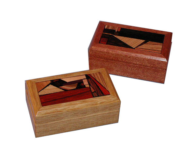 Travel-Shabbat-Candlesticks-with-anodizes-aluminum-Wood-and-Mosaics.TRA-AA-O-2-RW-tra-closed4.jpg