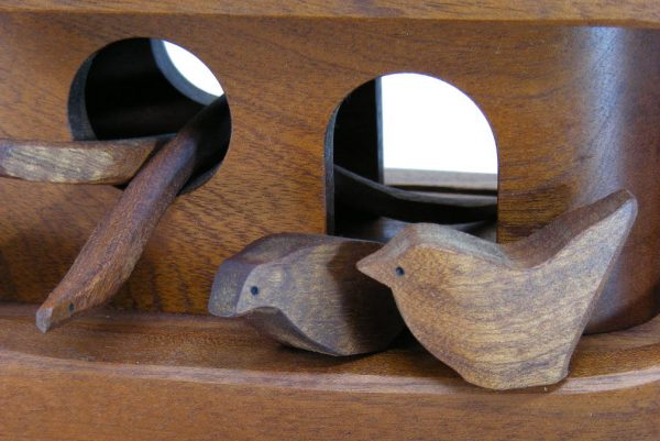Noahs-Ark-Solid-Wood-With-Animals-Detail-NOAH-O-O-O-RWC-Dec24-018.jpg