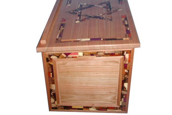 Shtender-Jewish-Prayer-Lectern-SHTN-O-O-Cherry-WC-shdender-side.jpg