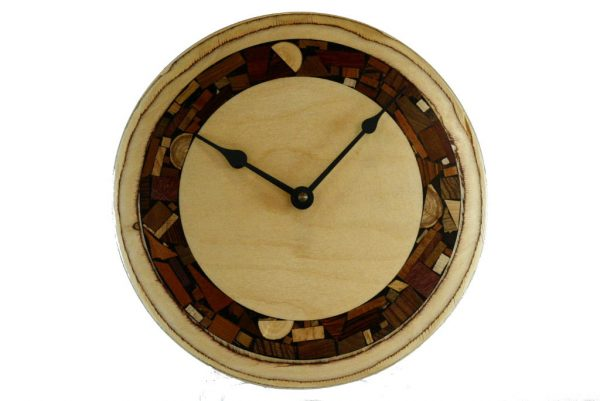 Funky Wall-Clock-Mosaics-on-Plywood-Modern-Wall-Clock